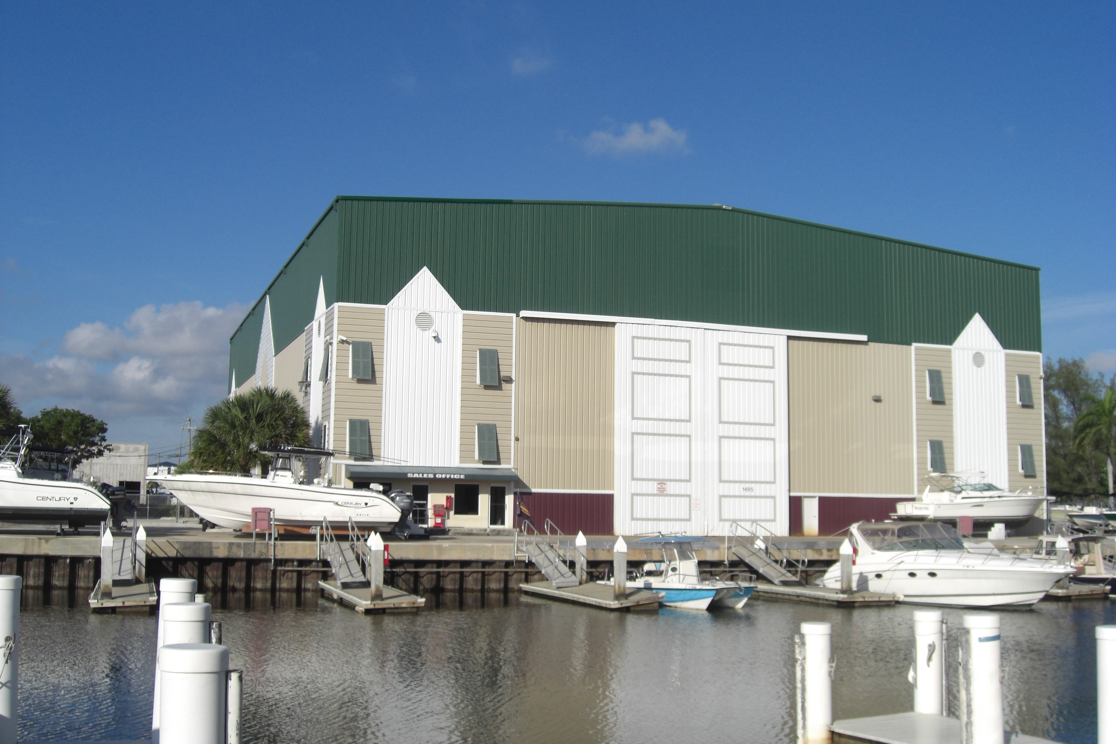 Secure Inside Dry Boat Storage Daily Boat Rentals Boat